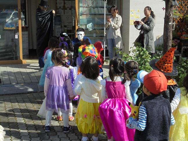 5整体の竹虎前ではバッチリ仮装した院長さんから貰いました