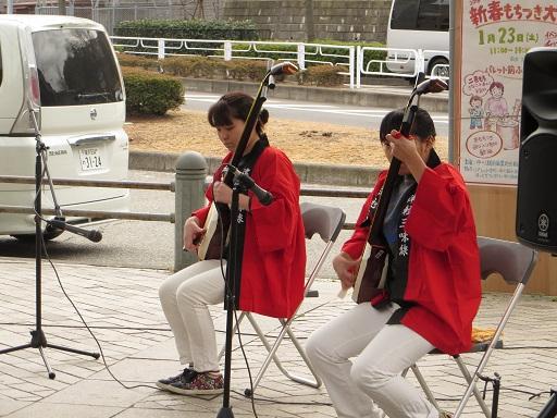 8島津姉妹の津軽三味線